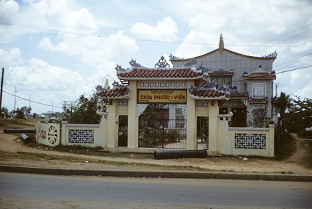 Ngôi chùa hiện nay vẫn tồn tại qua nhiều lần đại tu sửa