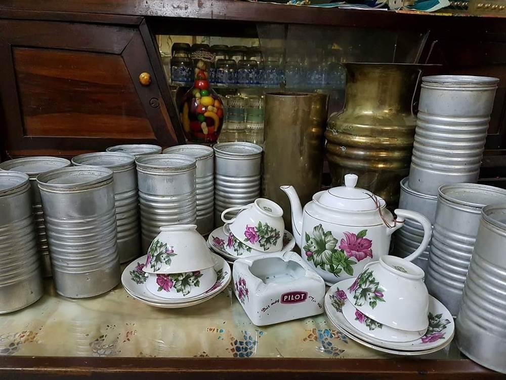 Lon gô cũng được tận dụng để đựng trà, coffee bởi khả năng giữ kín của nó