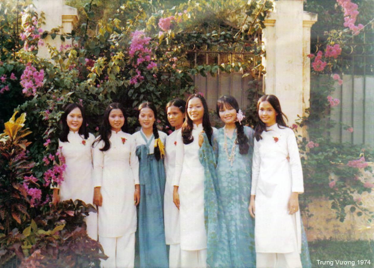 Bộ ảnh khác về chiếc áo dài Việt Nam