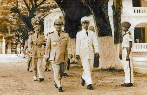 Tướng Lê văn Tỵ đến thăm trường Thiếu Sinh Quân Việt Nam
