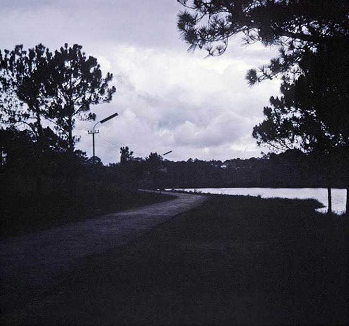 Đà Lạt Hoàng Hôn năm 1967 - Phía trước là Hồ Xuân Hương