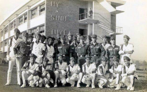Phái đoàn T.S.Q. Vũng Tàu tham quan trường Võ Bị Quốc Gia Việt Nam tại Đà Lạt.