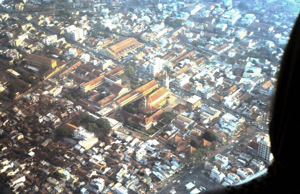 Toàn cảnh trên cao khu vực Nhà thờ Tân Định năm 1968. Ảnh: Jeanette.