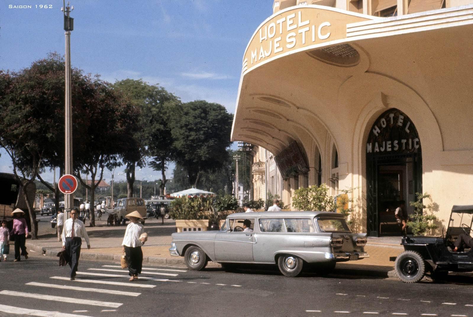 Khách Sạn MAJESTIC trên Bến Bạch Đằng