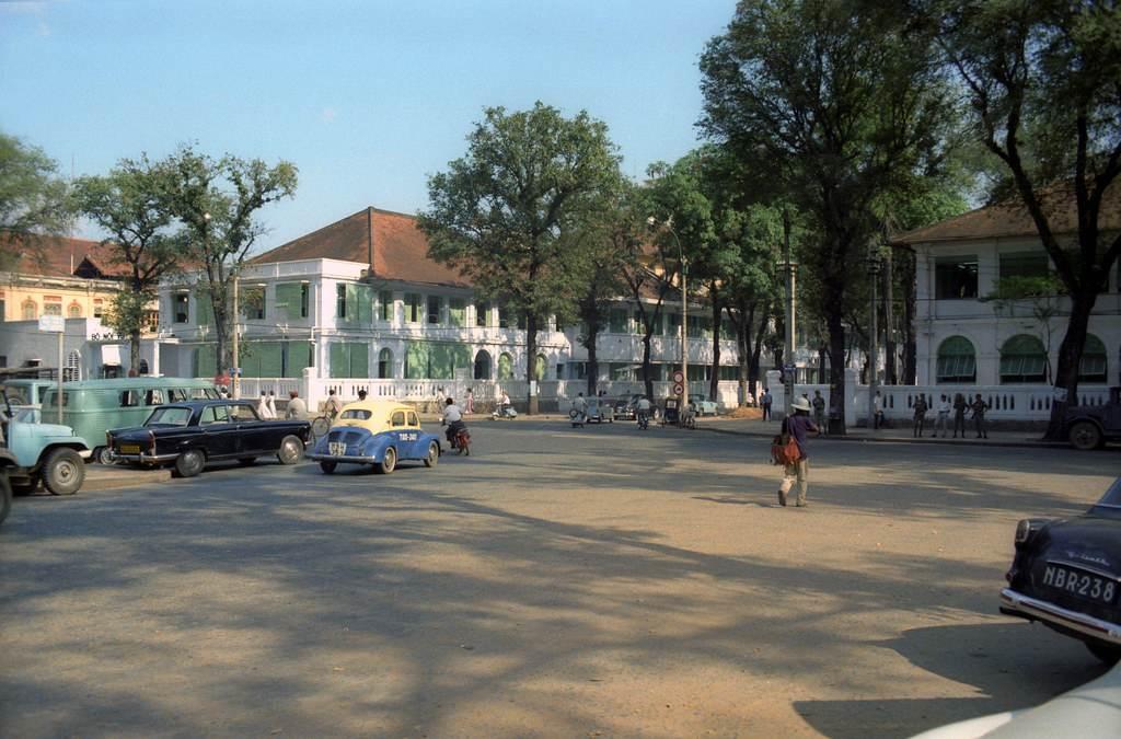 Góc chụp đẹp đường Catinat - nay là Đồng Khởi