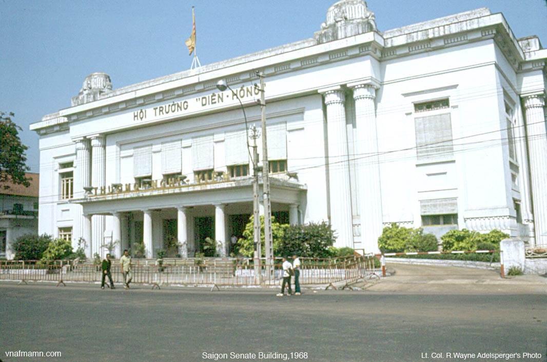 Tòa Thượng Nghị Viện được chụp vào những năm 1968