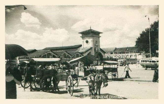 Dòng chữ trên bưu ảnh thập niên 1940: Sài Gòn - chợ trung tâm/chợ chính