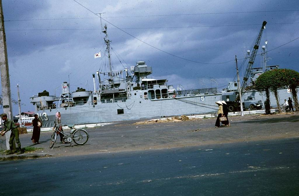 Một tàu hải quân Hàn Quốc cập cảng Bến Bạch Đằng. Ảnh được chụp những năm 1967
