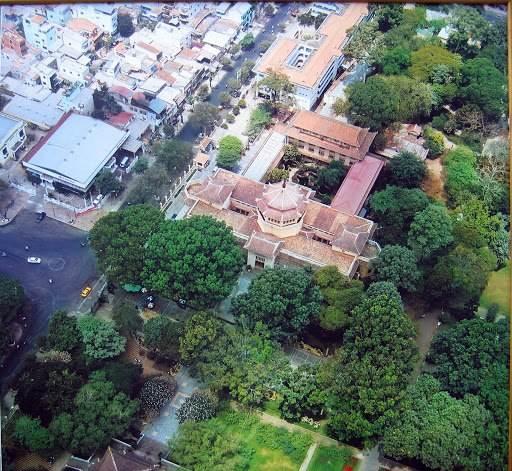 Ảnh chụp Bảo Tàng lịch sử Việt Nam từ trên cao năm 2005