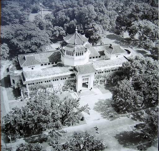 Bảo tàng lịch sử được chụp từ trên cao vào thời Pháp thuộc