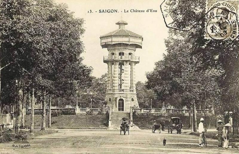 Công trường Tháp Nước (Place de Château d'eau) thời Pháp thuộc.