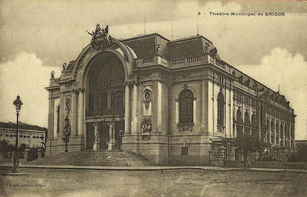 Ảnh chụp Nhà Hát Lớn thời Pháp thuộc