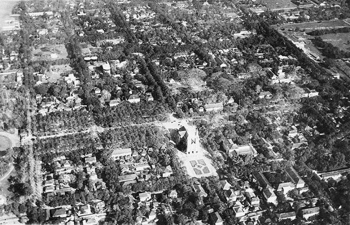 Không ảnh chụp Nhà Thờ Đức Bà vào năm 1930