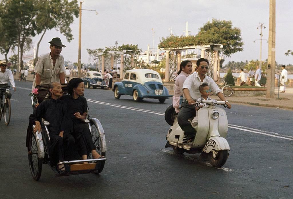 Bến Bạch Đằng được chụp vào năm 1961