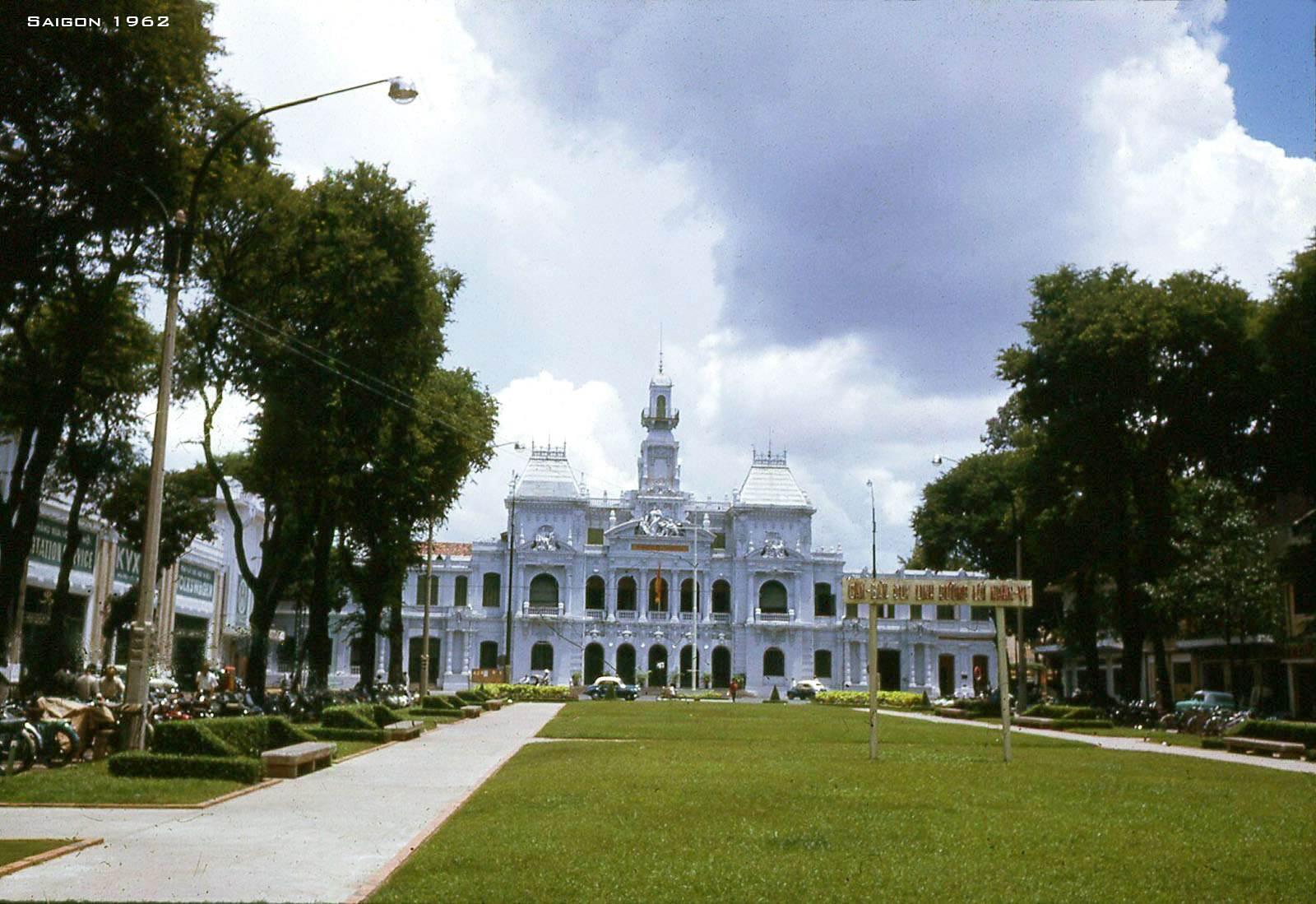 Tòa Đô Chánh, nay là trụ sở UBND Thành Phố Hồ Chí Minh
