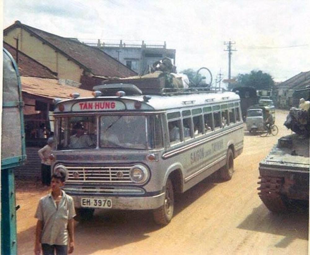 Một xe khách của nhà xe Tân Hưng chở tuyến Sài Gòn - Tây Ninh