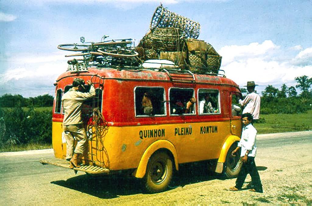 Xe đò Qui Nhơn-Pleiku-Kontum trên QL19