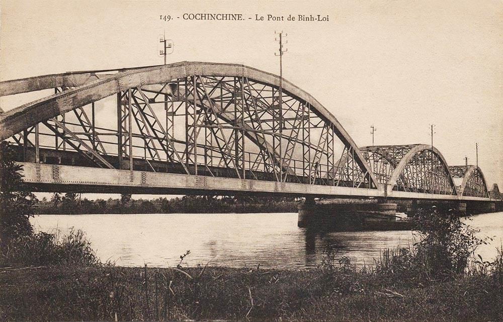 Cầu sắt Bình Lợi xưa - Ảnh tư liệu