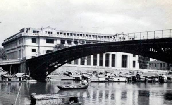 Cầu Mống ngày xưa - Ảnh tư liệu