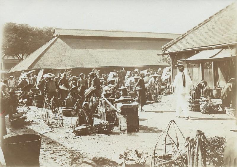 Sài Gòn 1902 - Chợ cũ Sài Gòn năm trên đường Nguyễn Huệ ngày nay