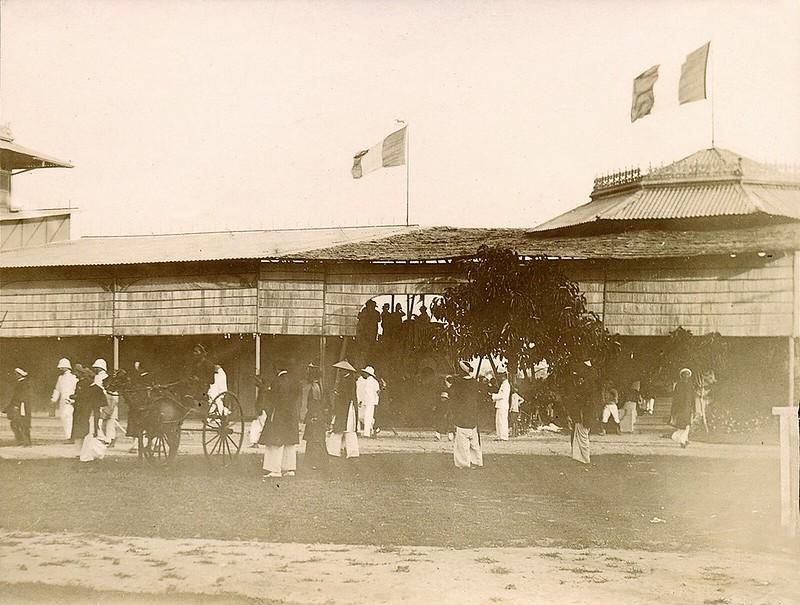 Một trường đua ngựa ở Sài Gòn năm 1902